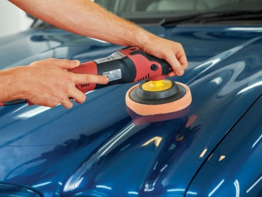 Как убрать царапины на авто?